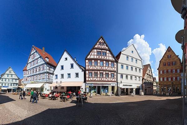 Bild 1 von Großtankstelle Lorinser GmbH + Co.KG